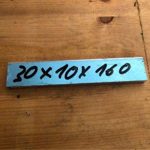 Reststücke Aluminium Vierkant 30x10mm Länge 160 mm