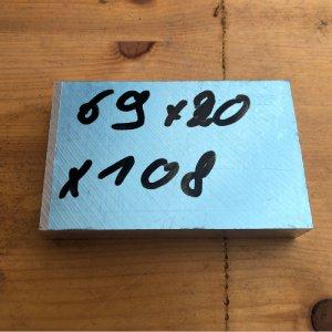 Reststücke Aluminium Vierkant 69x20mm Länge 108 mm