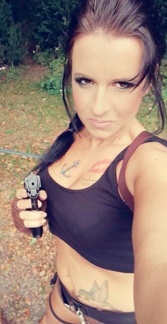 Lara alias Sandra Fischer bei Metallverarbeitung Janz